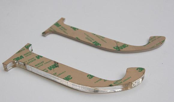 Лазерно изрязани букви от плексиглас с двойнолепящо на лист 7955MPL