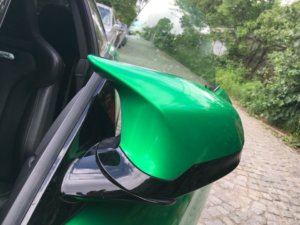 Огледала на BMW с цвят Green Envy от серия фолио 3M 1080