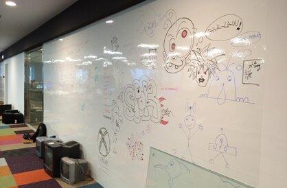 3M whiteboard Electronic Arts