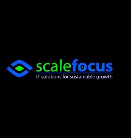 ScaleFocus светеща табела с ефект на светещи букви