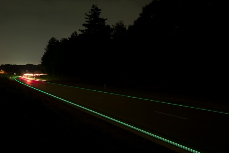 glowing lines иновация