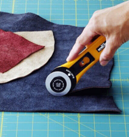 OLFA RTY 3 G Rotary knife for layers of fabric