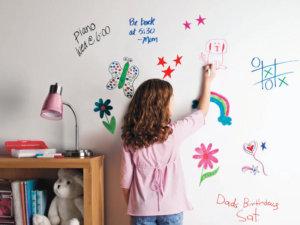 Стена в детска стая - фолио бяла дъска