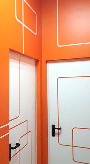 Облепяне на врати и стени с фолио за печатни графики 3M IJ180mC-10