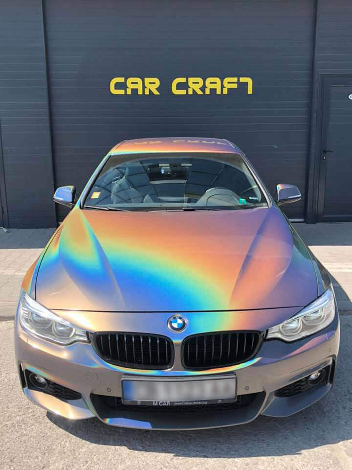 Цялостно облепяне на BMW 4 с автомобилно фолио 3M 1080 цвят хамелеон
