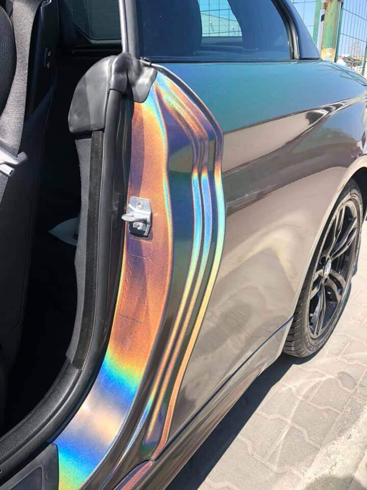 Precise car wrapping using 3М 1080 GP281 Gloss Flip Psychedelic car wrap film