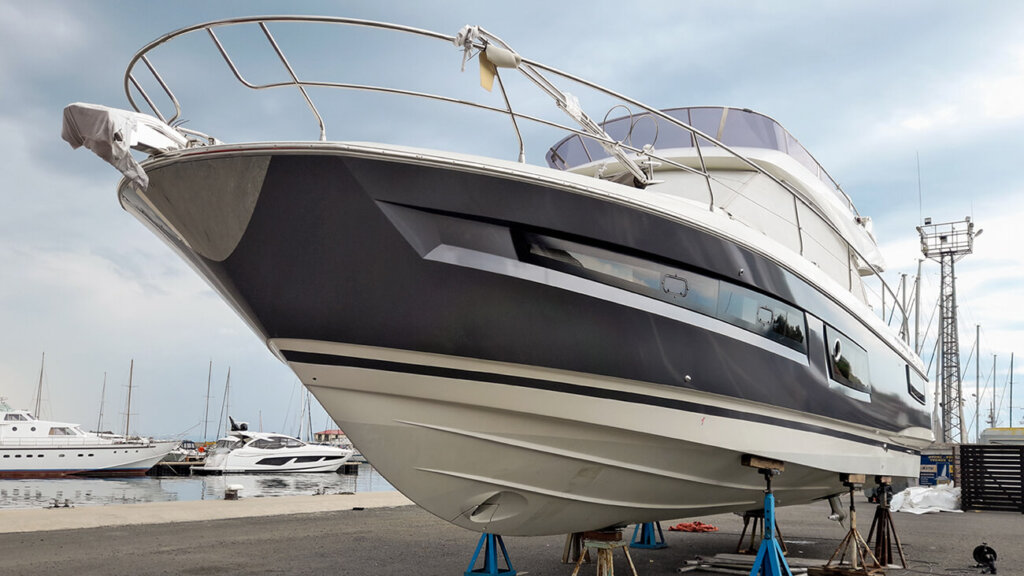 Wrapping a yacht with 3M Wrap Film 1080-G201, anthracite color